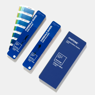 Цветовой справочник Pantone Formula Guide Limited Edition 2020 Classic Blue